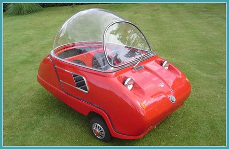 Игрушечный автомобильчик