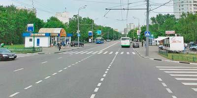 Нерегулируемый пешеходный переход на перекрестке
