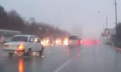 Авария при повороте направо