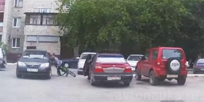 Велик врезался в авто